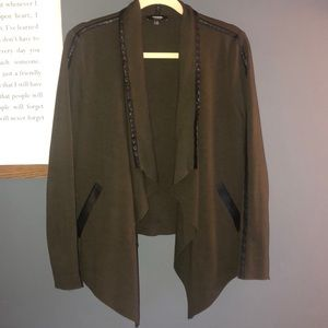 Olive green blazer / cardigan 🖤